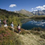 Familien wandern im Lungau von Bergsee zu Bergsee