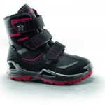 Lowa Schuhe schützen die Kinder vor der Kälte