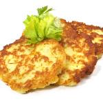 Kartoffelpuffer und Apfelmus am Lagerfeuer