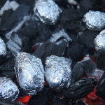 Kochen mit Kindern am Lagerfeuer: Hirten Kartoffeln