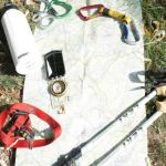 Standortfrage! Outdoor Kinder arbeiten mit Karte und Kompass