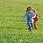 Ein Kindergeburtstagspiel für draussen: Sommerbiathlon