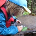 Zauberhafter Hexenweg: Kinder wandern beim Urlaub in Fiss