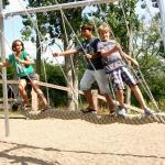 Urlaub an der Ostseeküste: Spielerlebniswelten mit Piraten, Experimente und Greifvögel