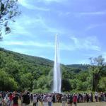 Geysir spritzt am Rhein!  Ein bäriges Outdoor-Erlebnis für Kinder in Andernach