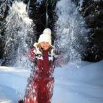 Familienhotels Südtirol: Naturdetektive im Schnee