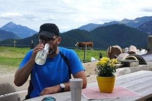 Und viel trinken beim Bergsteigen! Foto (c) Kinderoutdoor.de