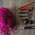 Kastanien-Hollunder-Kette: Outdoor Kinder basteln mit Naturmaterialien