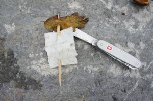 So sieht der fertige Masten mit Segel aus.  Foto (c) Kinderoutdoor.de