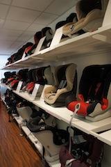 Das hier ist kein Kinderladen, sondern der Showroom von Britax Römer mit den neuesten und aktuellen Kindersitzen.  foto (c) kinderoutdoor.de
