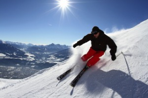 Feinster Pulverschnee, eine gepflegte Abfahrt und nur 20 Minuten bis nach Innsbruck! Copyright: Innsbruck Tourismus