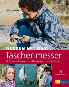 Zu den besonderen Geschenkideen gehört das Taschenmesser Buch von Felix Immler, dem Schnitz-Guru aus der Schweiz. Foto (c) AT Verlag AG