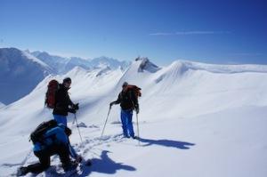 Eine geführte kostenlose Schneeschuhwanderung mit Berghaus: Online anmelden.  Fot0 (c) kinderoutdoor.de