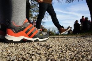 Ein Hingucker: Der Adidas Terrex GTX K. Dagegen sehen die Salontreter mancher Erwachsener ziemlich bieder dagegen aus.  foto (c) kinderoutdoor.de