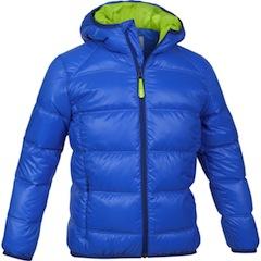 Coole Daunenjacken mit einem moderaten Preis kommen von Salewa, wie das Maol Kids Jacket.  Foto (c) kinderoutdoor.de