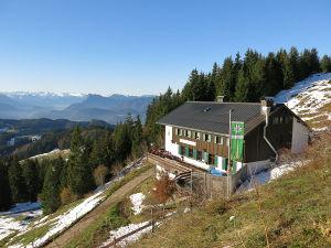"""Zu den genialen Berghütten zählt das Spitzsteinhaus.  foto (c) """"Spitzsteinhaus"""" von Jörg Braukmann - Eigenes Werk. Lizenziert unter CC BY-SA 3.0 über Wikimedia Commons - http://commons.wikimedia.org/wiki/File:Spitzsteinhaus.JPG#mediaviewer/File:Spitzsteinhaus.JPG"""