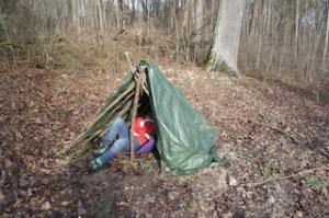 Fertig ist unser Zelt im Wald. Foto (c) kinderoutdoor.de