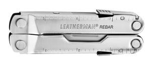 Klein, leicht und kompakt. Das Leatherman Rebar passt wunderbar in die Deckeltasche vom Rucksack. Foto (c) leatherman