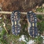 Outdoor Kinder basteln einen Schuhständer