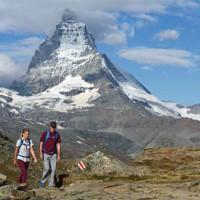 Mammut Jacken und Schuhe bringen auch im Sommer die Alpinisten über alle Berge.  Foto (c) Mammut.ch