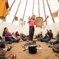 Indianerstarke Osterferien versprechen die Jugendherbergen mit speziellen Angeboten für Familien.  Foto(c) deutsches Jugendherbergswerk