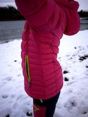 Unterschiedlich gesteppt ist die Bergans Down Youth Girl Jacket. Foto (c) kinderoutdoor.de