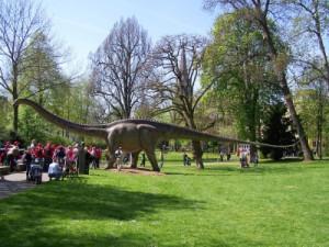 Beim Brontusaurus-Rennen zeigen die Kinder bei der Dino Schnitzeljagd was sie so drauf haben.  foto (c)  W. Broemme  / pixelio.de