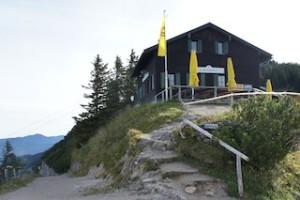 Berghütten in denen Könige übernachtet haben gibt es wenige: Das Tegelberghaus gehört dazu. Foto (c) kinderoutdoor.de