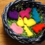 Osterdeko mit den Kindern filzen: Hasen, Lämmer und Hühner