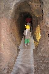 In der Unterwelt vom Allgäu unterwegs: Die Erzgruben bei Burgberg am Grünten, sind ein wanderbares Erlebnis.   Foto (c) kinderoutdoor,de