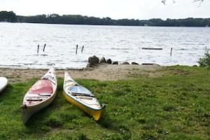 Camping am Ellbogensee, da gehört paddeln unbedingt dazu.  foto (c) kinderoutdoor.de