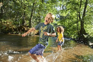 """""""He! Das mit fließend Wasser habe ich mir anders vorgestellt!"""" Nix zu motzen gibt es bei elkline Kollektion 2015.  Foto (c) elkline.de"""