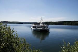 Leinen los am Möhnesee! Ab 29. März schippert dort die Flotte wieder über das Westfälische Meer.  Foto (c) Möhnesee Touristik