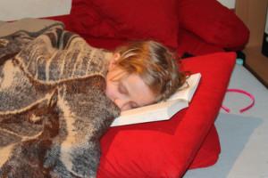 Einschlafen bei Outdoor Aktivitäten: Achtet auf die täglichen Rituale.  Foto (c)Baufispezi  / pixelio.de