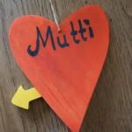 Muttertagsgeschenk: Hampelherz für Mutti