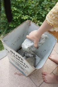 Lieber einen Stein im Pflanzkübel, als einen im Brett.  Foto (c) kinderoutdoor.de