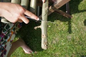 Säg ich doch! Als erstes sägt Ihr gleich große Sprossen ab.  foto (c) kinderoutdoor.de