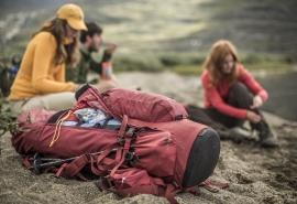 Packen wirs an! Was alles in den Rucksack gehört, hat Fjällräven zusammengestellt. Die ultimative Packliste für eine Hüttentour.  Foto (c) fjällräven