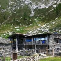 Ein uralter Steintreppenweg führt hinauf zur Alpe Nimi im Maggiatal.   Foto (c) Ticino Turismo