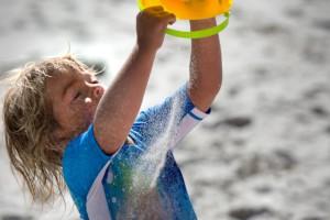 Sommer, Sonne und viel Spaß. Die neue Reima UV Schutzkleidung blockt 98% der UV Strahlen ab.  Foto (c) Reima