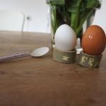 Eierbecher schnitzen: So kann der Tag beginnen