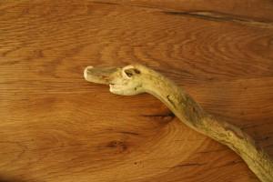 Alter Drache! Nun schnitzen wir den Schlangenkopf. Foto (c) kinderoutdoor.de