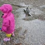 Primigi Delfy im Härtetest: Gore Tex Surround schützt die Kinderfüße gegen Nässe von innen und außen.   foto (c) kinderoutdoor.de