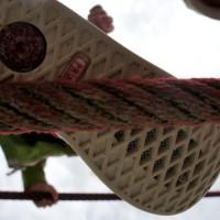 Rutschfest im Rutschtest! Auch bei einem nassen Seil griff die Sohle der Primigi Delfy perfekt.   foto (c) kinderoutdoor.de