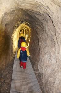 Schatzsuche untertage. Im Inneren vom Berg findet sich leichter das Gold. Vielleicht.  Foto (c) kinderoutdoor.de