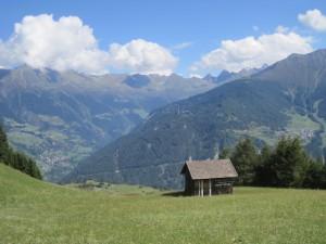 Kühle Orte gibt es in den Alpen genug. Ab 2.000 Meter ist es deutlich kühler als im Tal.Doch bis man erst dort ist, schwitzt man den Berg hinauf.  Foto (c) kinderoutdoor.de