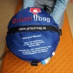 """""""Deshalb ist es für jeden Schlafsack Gift, wenn er auf Dauer eingepackt ist!"""" sagt Markus Wiesböck der Gründer von Grüezi Bag.  Foto (c) kinderoutdoor.de"""