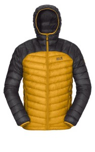 Daunen rauf! Mit dem Argo Jacket zeigt Jack Wolfskin, wie leicht es sein kann, die Kälte auszusperren.  Foto (c) jack wolfskin