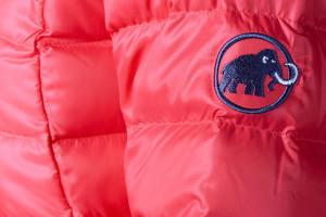 Daunenwahl! Die Verbraucher haben bei Mammut nun die Sicherheit, woher die Daunen und Federn kommen. Foto (c) Christian Ammann, Mammut