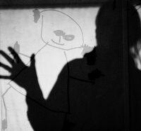 Eine Station der Schnitzeljagd Nachts ist das Schattenspiel.  Foto (c) M.E.  / pixelio.de